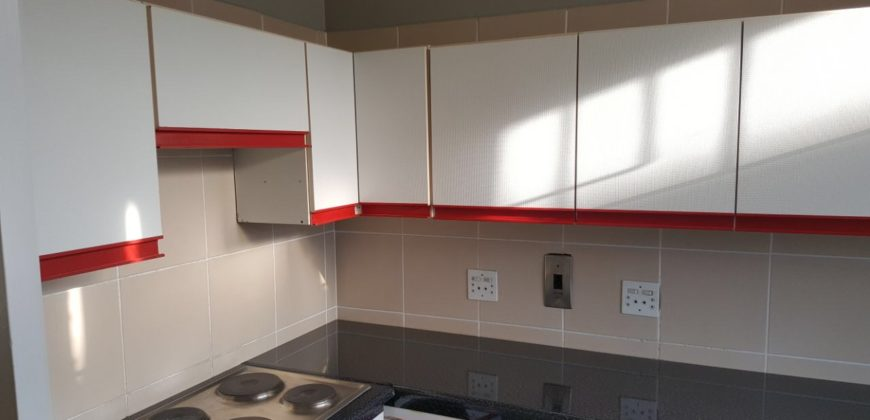 406 Seven Oaks, 2 Bedroom, 2 Bathroom Apartment to Rent in Killarney.