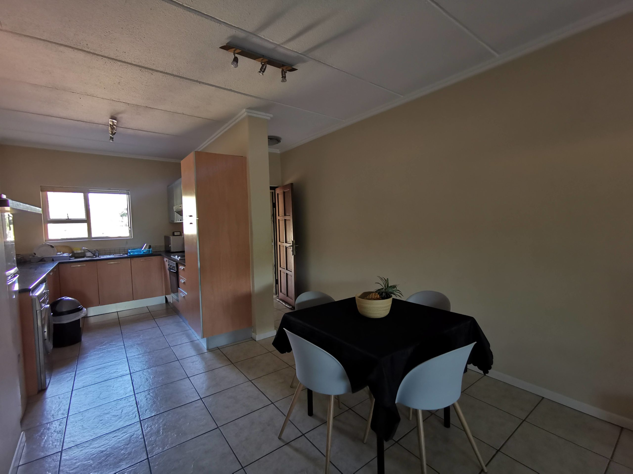 11 The Corners – 2 Bedroom, 2 Bathroom Apartment to rent