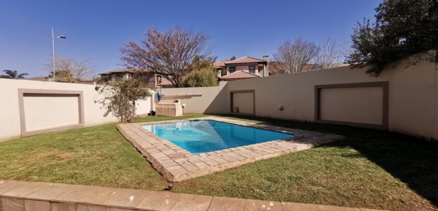 50 Featherview Estate, 00 Falls Road